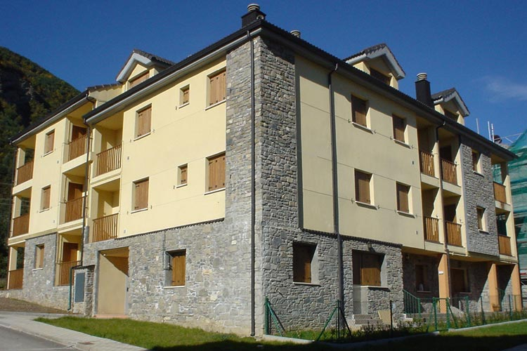 Residencial - La Yosa -Villanúa Pirineo Huesca - imagen 1