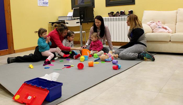 Villanúa crea un espacio bebes - Inmobiliaria Casmar - Apartamentos Pirineo Aragonés