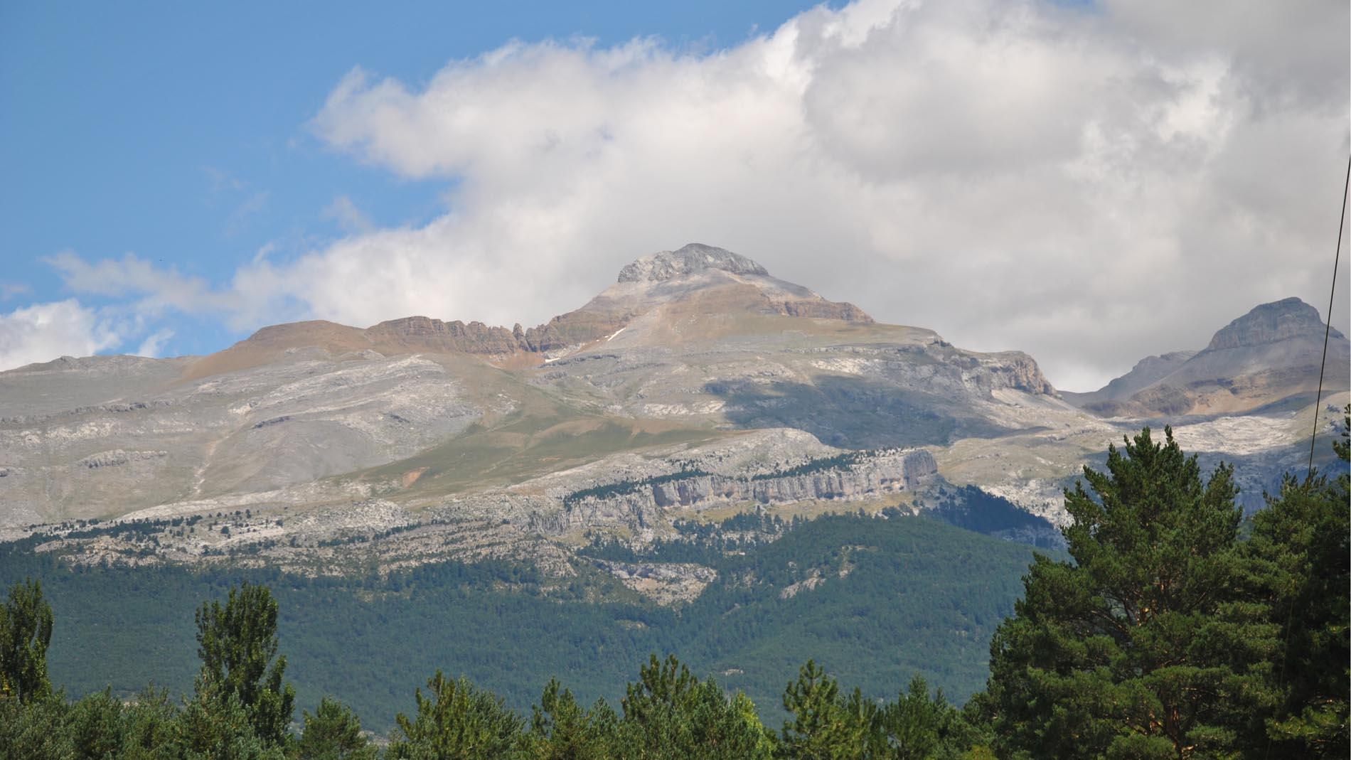 Slide - Venta de Apartamentos en el Pirineo - Collarada
