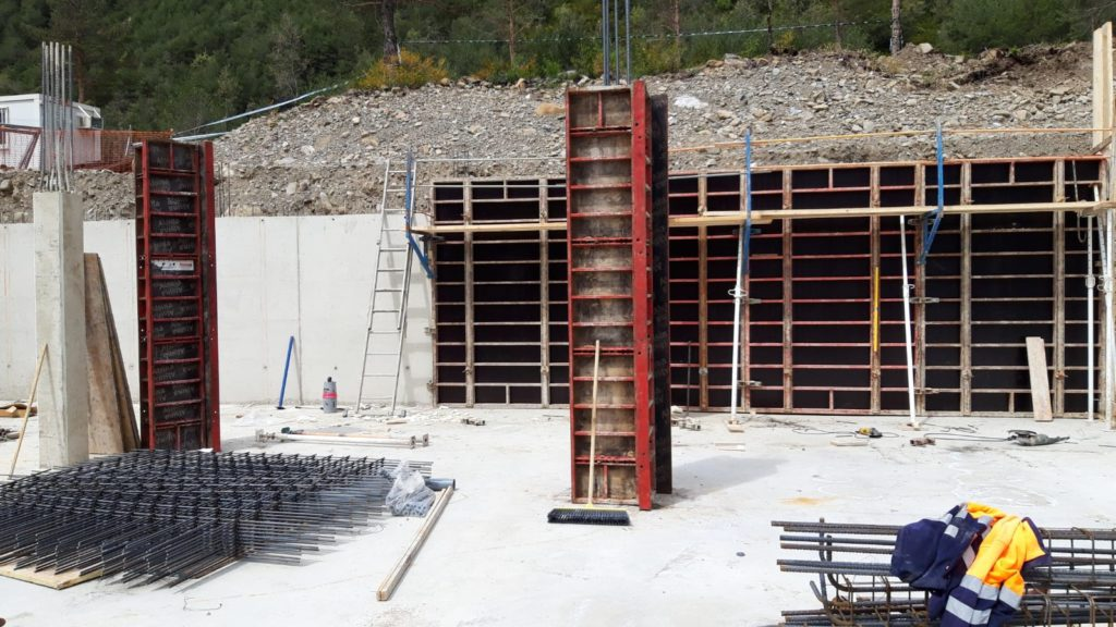 Sayerri - Cerramientos, Pilares en Mayo de 2019 02 - Inmobiliaria Casmar - Pisos, apartamentos en Pirineo