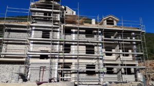 Sayerri - Siguen los trabajos - Octubre 2019 - Inmobiliaria Casmar - Pisos, apartamentos en Pirineo