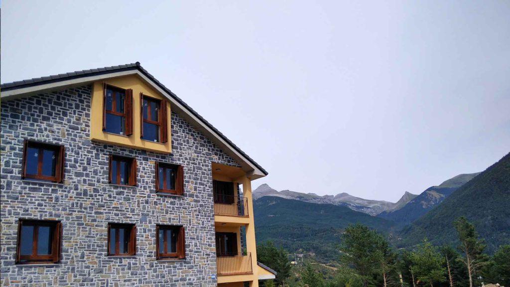 Slide - Venta de Apartamentos en el Pirineo - Promoción Sayerri 202006